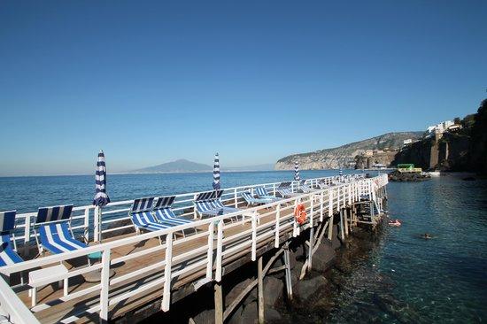 Grand Hotel Riviera : Bathing Platform in October