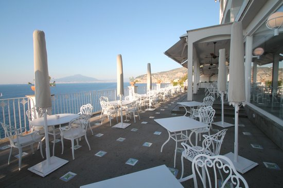 Grand Hotel Riviera: Outdoor Terrace View