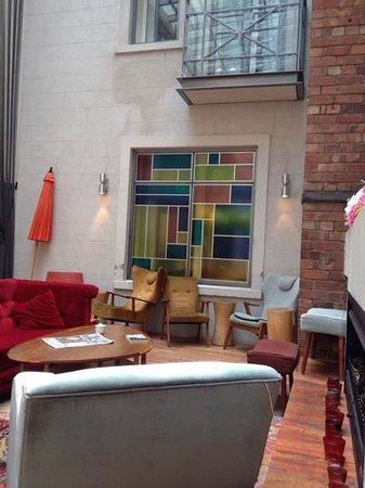 Hotel DeBrett: dining room