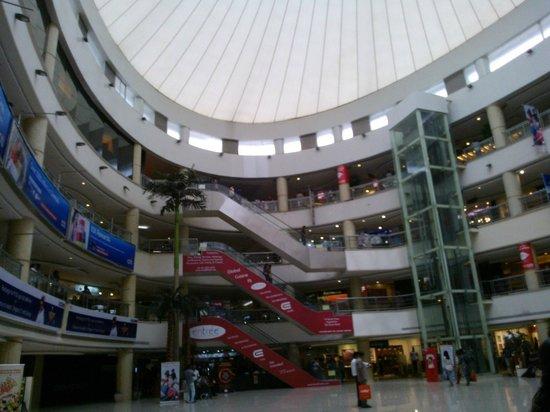 Express Avenue Mall: Express Avenue -A Lookup Design