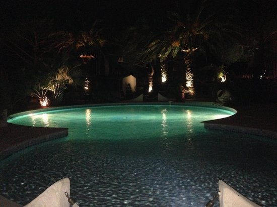 Le Spinaker Hotel Lodge & Spa : Pool At night