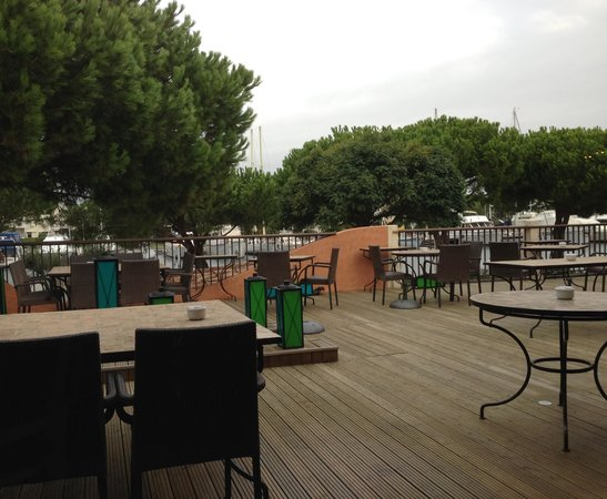 Le Spinaker Hotel Lodge & Spa : Outside Dining Terrace