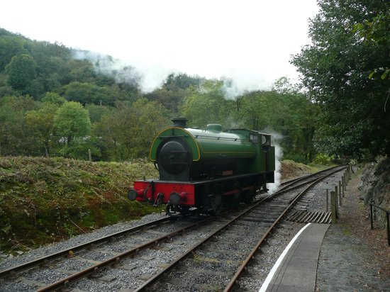 Gwili Railway: The Loop at the end of the line.