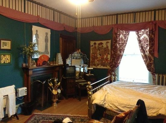 Wickwire House Bed and Breakfast: bedroom
