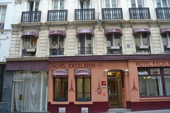 Hotel Excelsior Republique : HOTEL