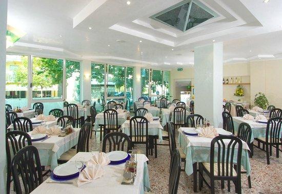 Hotel Muccioli Vacanze Urlaub Holiday MIsano Adriatico