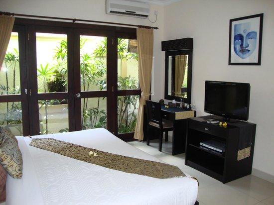 Heliconia Villas: Room