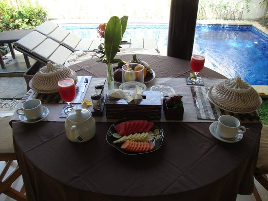 Heliconia Villas: Simple but tasty breakfast served every morning in your villa