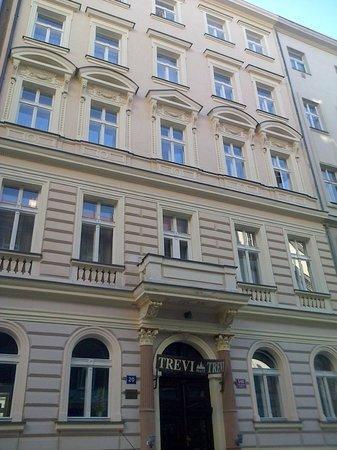 Hotel Trevi: Fachada del hotel