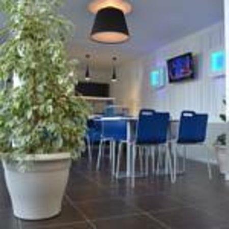 Ibis Budget Belfort Centre : salle petit déjeuner