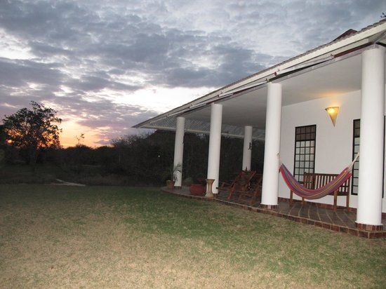 Mbuyuni Farm Retreat: outdoor area