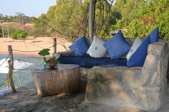 Kaya Mawa: Mbungu seating area