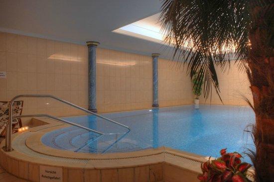 SEETELHOTEL Strandhotel Atlantic: Schwimmbad