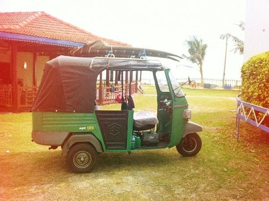 Shaka Sign Surf Camps: let's tuk tuk for surfing