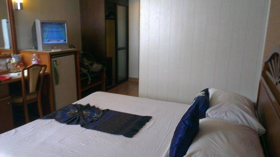 Bangkok Centre Hotel : Room