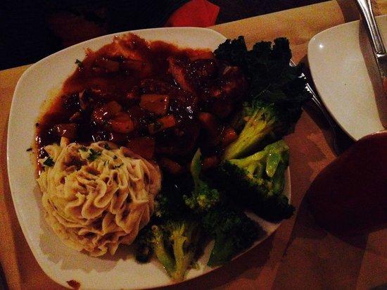 Back Bay Bistro: Pork chops with brown sugar glaze and garlic mashed potatoes...yum