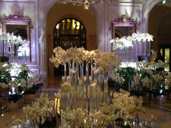 Four Seasons Hotel George V Paris: Beautiful