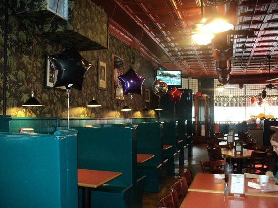 The Palms Restaurant: Interior