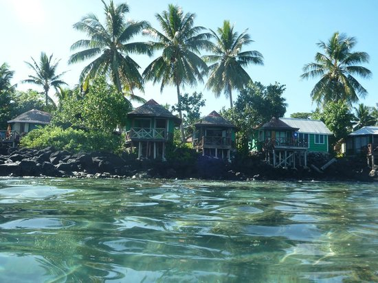 Va-i-Moana Seaside Lodge: Sunset & Overwater Fales