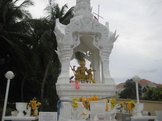 Dusit Thani Hua Hin: Temple.