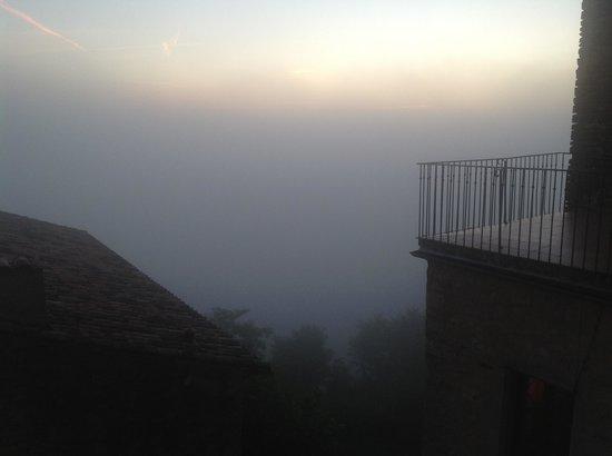 Logis Sur Ciel: The foggy morning view