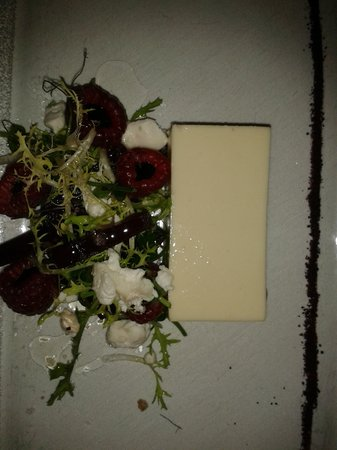 Blackaddie Country House Hotel: Cauliflower panacotta with balsamic raspberries...