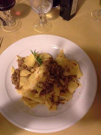 Cacio e vino: fresh, home made wide pasta with mushroom sauce. Sooooo Good !
