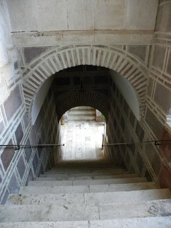 Kanuni Kervansaray Historical Hotel: The stairs