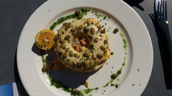 Gusto: Salmon scramble eggs bagel