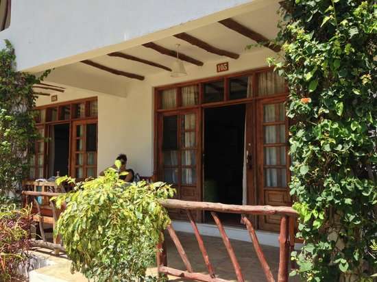 Jacaranda Beach Resort : ingresso camera