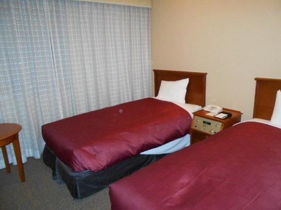 Narita Gateway Hotel : 男性にとっては少し小さ目なベッドですが、寝心地は良いです。