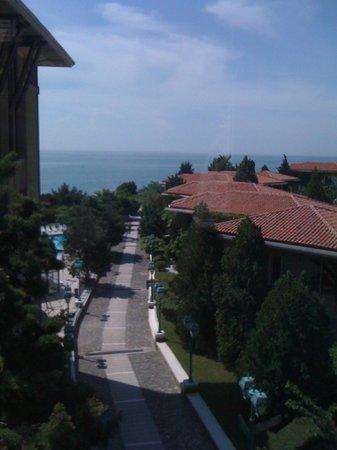 Klassis Resort Hotel: Hotel & grounds