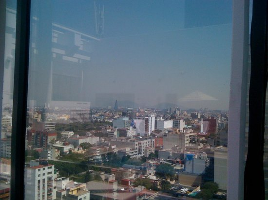 Sheraton Mexico City Maria Isabel Hotel: Blick vom Poolbereich (oberster Stock)
