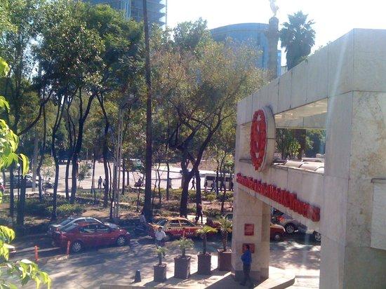 Sheraton Mexico City Maria Isabel Hotel: Eingang des Hotels
