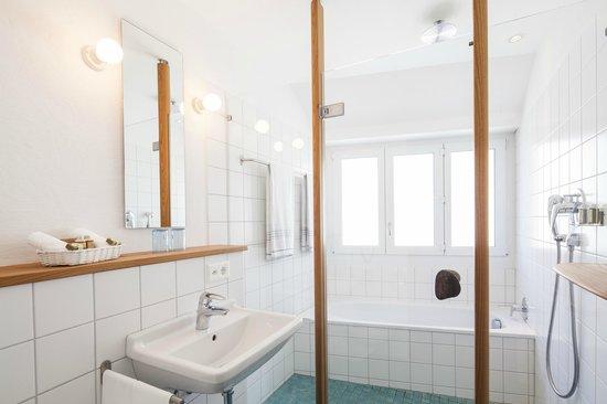 City hotel ochsen zug switzerland reviews photos for Fischmart zug