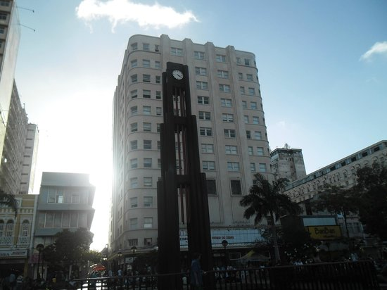 Praca do Ferreira: Relógio da Praça