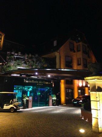 Hostellerie des Châteaux & Spa : Entrée de l'hôtel