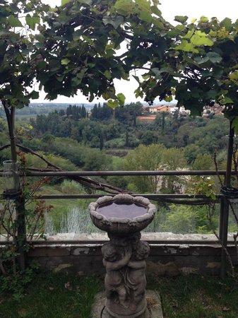 Albergo Quattro Gigli : vista dalla terrazza dove c'è la piscina