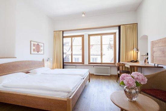 City hotel ochsen zug bewertungen fotos preisvergleich for Fischmart zug