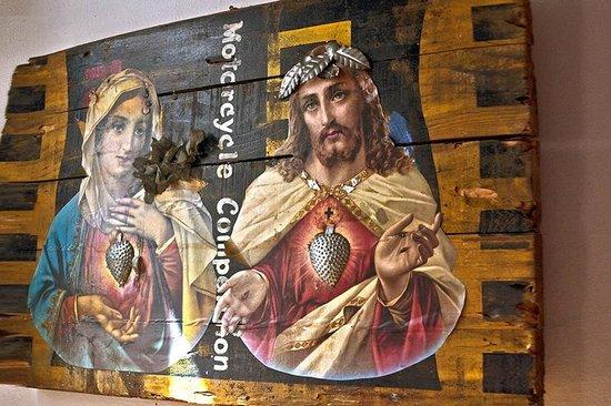 Cafe Geraes: Colagem na entrada do Café