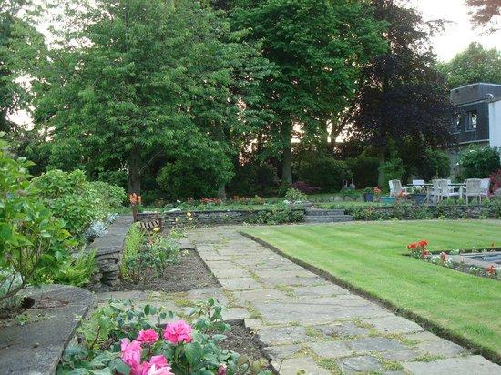 Pitbauchlie House Hotel : Gardens