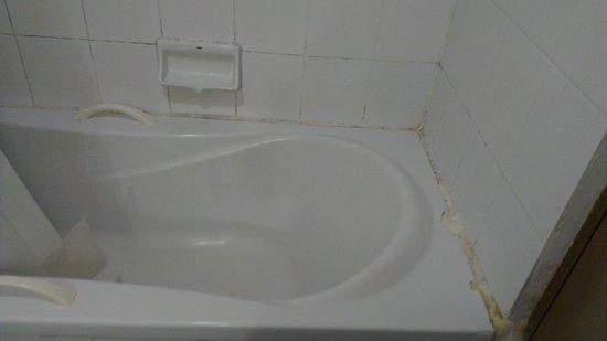 Ayothaya Hotel Bathroom