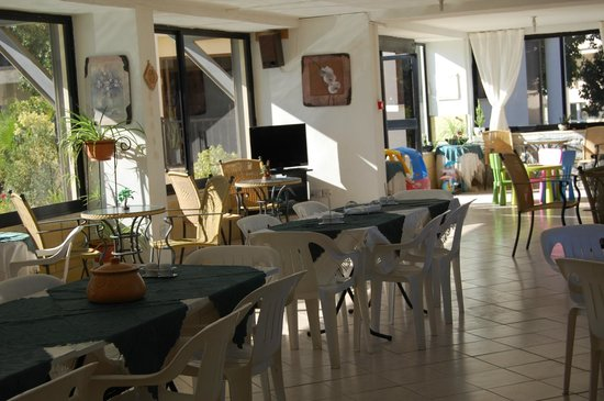 Nicos & Olympia Apartments: snack bar