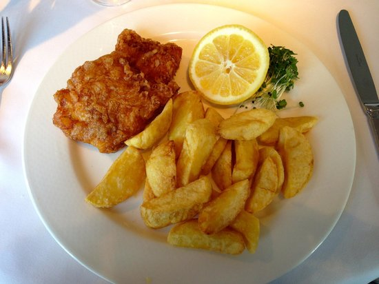 Alec's Restaurant: Cod in batter and chips