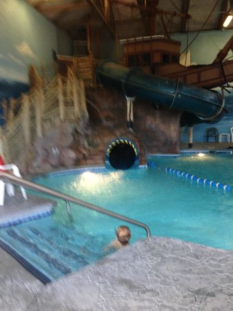 John Carver Inn: Waterslide for the kids