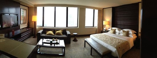 Mandarin Oriental Jakarta: Panoramic photo of the room