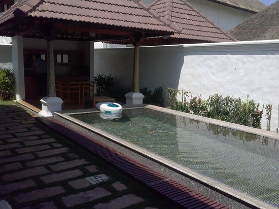 Presidential private pool picture of le pondy pondicherry tripadvisor for Villas in pondicherry with swimming pool