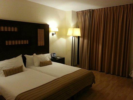 Sercotel Malaga: Bedroom