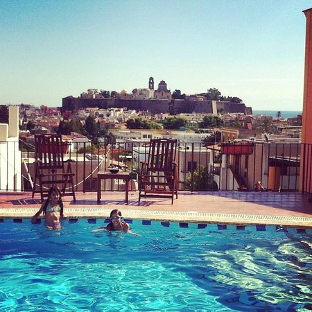 Hotel Villa De Pasquale: view from pool to old city