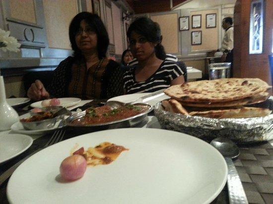 Royal Cafe: chicken rejala with nun